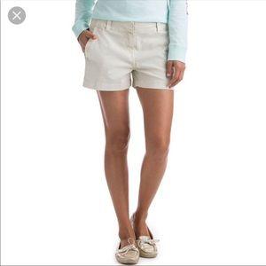 Vineyard Vines sand khaki shorts